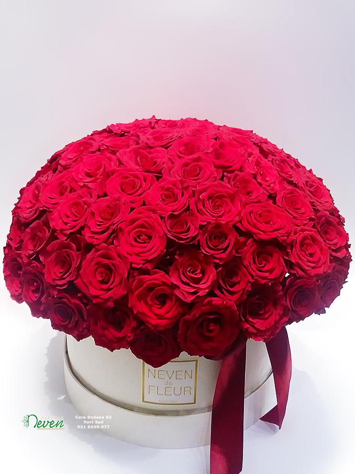 Flower box sa 101 crvenom ružom