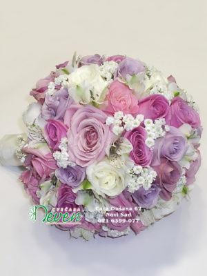 Bidermajer sa ružama i alstromerijama