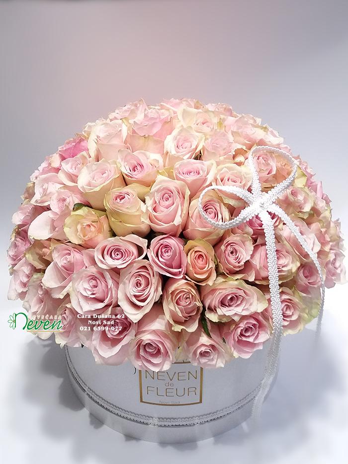 Flower box sa 101 roza ružom
