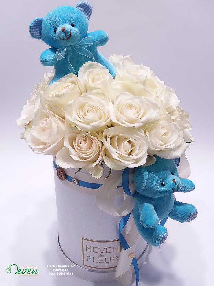 Flower box sa ružama i medvedićima
