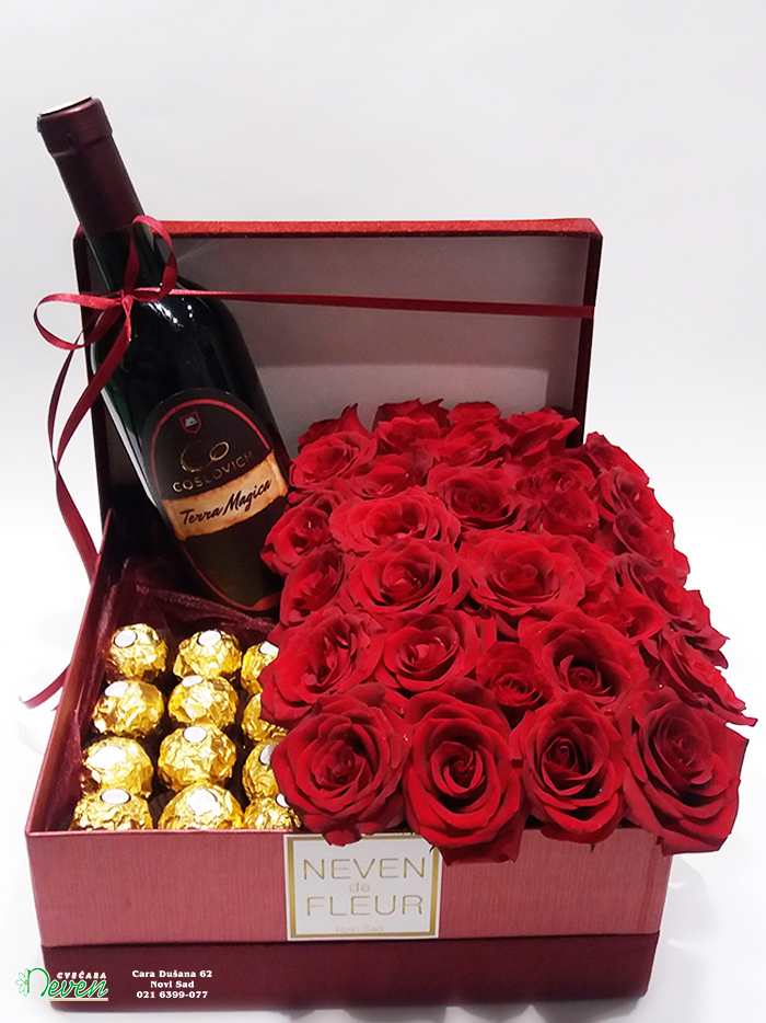 Ferrero roche, crvene ruže u ukrasnoj kutiji