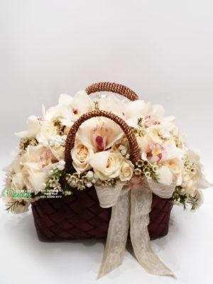 Torbica sa ružama i orhidejama