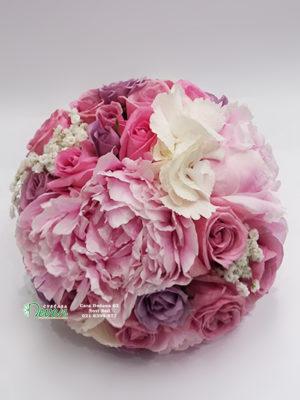 Bidermajer sa božurima, ružama i hortenzijom
