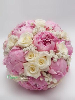 Bidermajer sa božurima i ružama