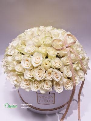 Flower box sa 101 belom ružom