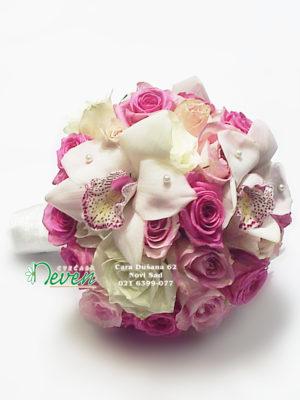 Bidermajer sa ružama i orhidejama