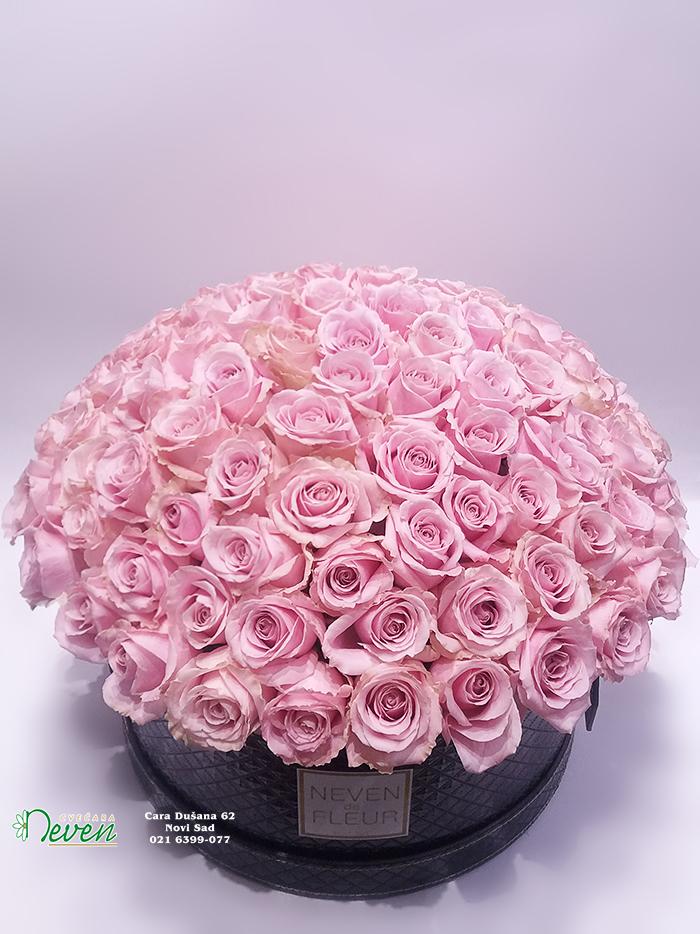 Flower box sa 101 ciklama ružom