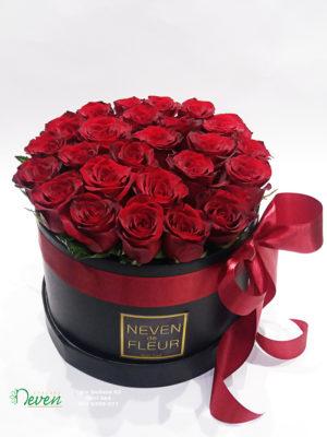 Flower box sa ružama.