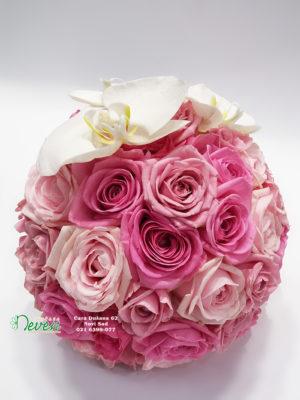 Bidermaje sa ružama i cvetovima orhideje ''Phalaenopsis''