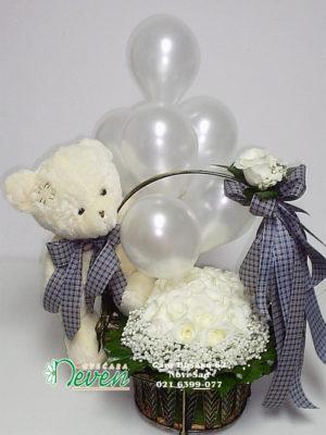 Bele ruže, meda i baloni