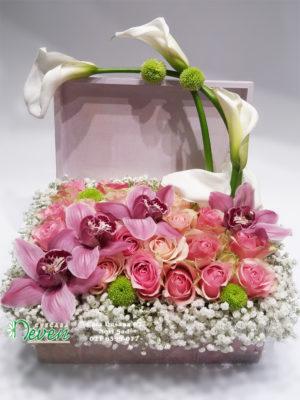 Dekupaž kutija sa ružama, orhidejama i kalama