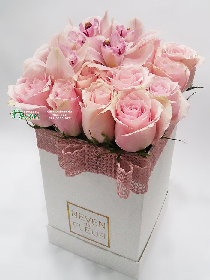 Flowerbox sa ružama i orhidejama