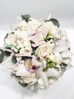 Bidermajer sa ružama, frezijama i orhidejama