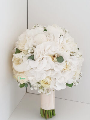 Bidermajer sa božurima, ružama i hortenzijama